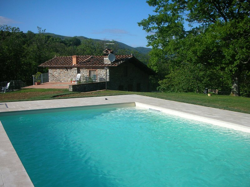 Loppeglia-Fiano Villa Sleeps 6 with Pool and WiFi - 5247711, holiday rental in Convalle