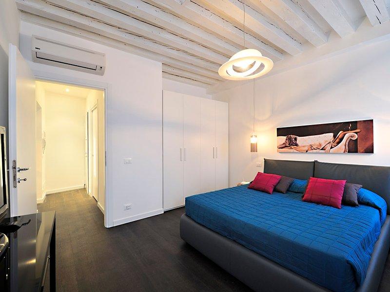 Vignola Piccola Apartment Sleeps 5 with Air Con and WiFi - 5248508, holiday rental in Lido di Venezia
