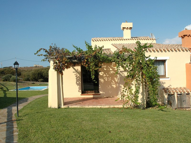 Punta de Su Turrione Villa Sleeps 8 with Pool and WiFi - 5248040, holiday rental in Stintino
