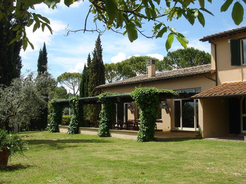 Magliano Sabina Villa Sleeps 8 with Pool and WiFi - 5248392, location de vacances à Magliano Sabina