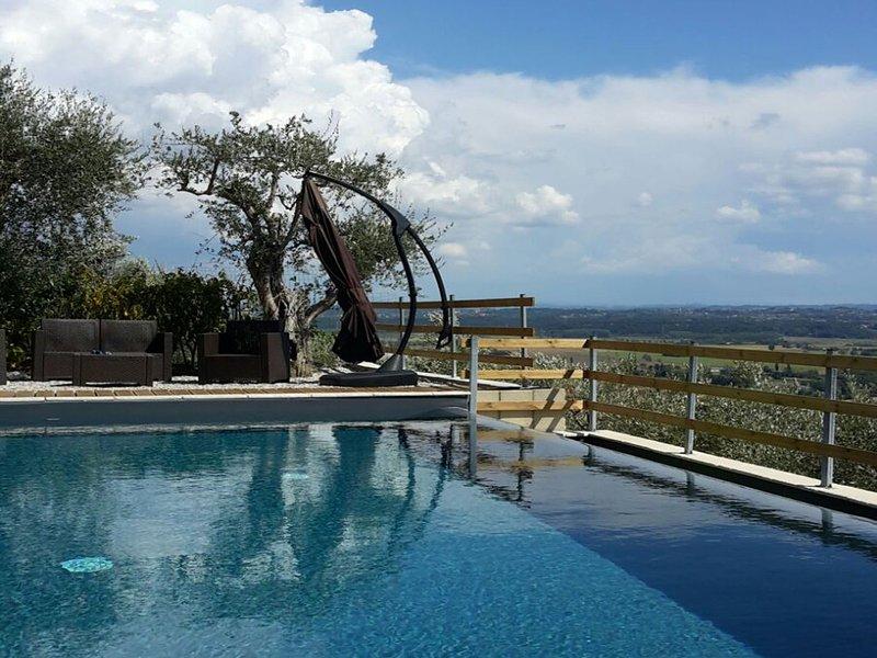 Cascine-La Croce Villa Sleeps 6 with Pool and WiFi - 5247734, casa vacanza a Bientina