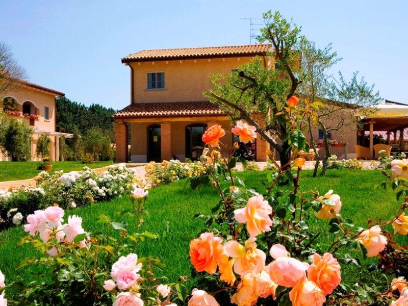 Scala Santa Apartment Sleeps 4 with Pool Air Con and WiFi - 5247645, location de vacances à Vetulonia