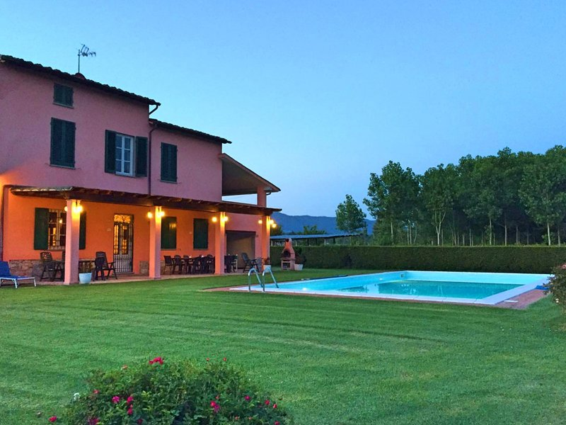 Carignano Villa Sleeps 11 with Pool and Free WiFi - 5247670, vacation rental in San Macario in Piano