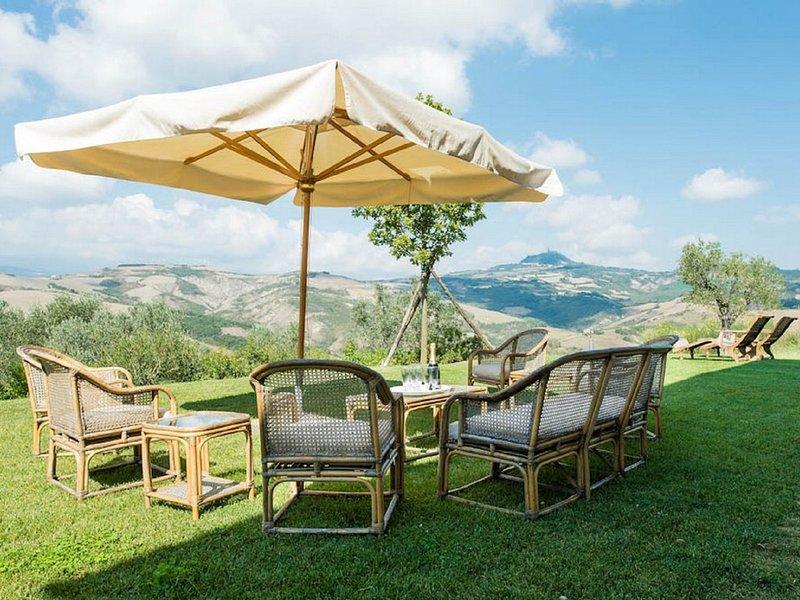 Celle sul Rigo Villa Sleeps 8 with Pool and WiFi - 5247900, vacation rental in Casciano