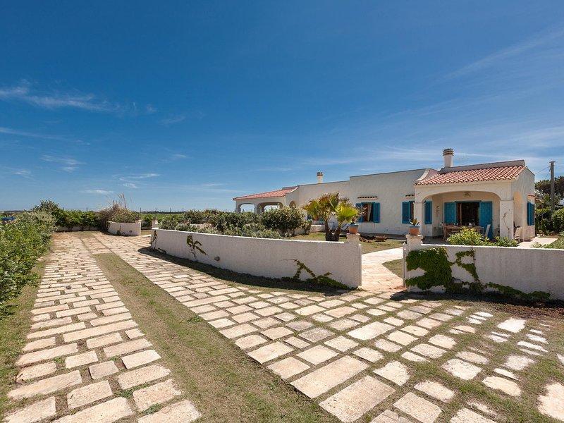 Villanova Villa Sleeps 8 with WiFi - 5248098, casa vacanza a Costa Merlata