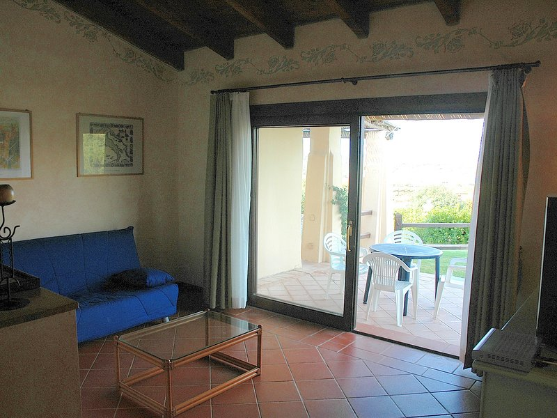 Punta de Su Turrione Villa Sleeps 6 with Pool and WiFi - 5248039, holiday rental in Stintino