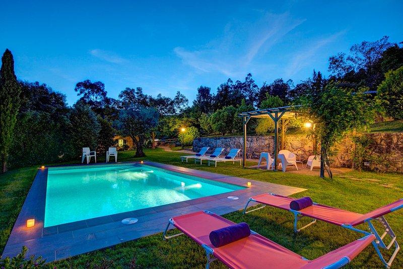 Tabagon Villa Sleeps 6 with Pool and WiFi - 5604597, casa vacanza a O Rosal