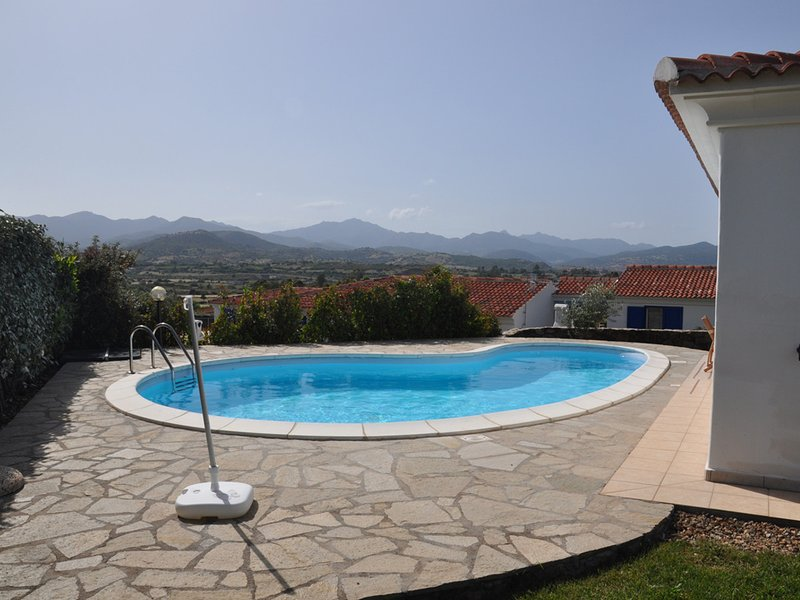 S'Iscala Villa Sleeps 6 with Pool and WiFi - 5248022, holiday rental in Limpiddu