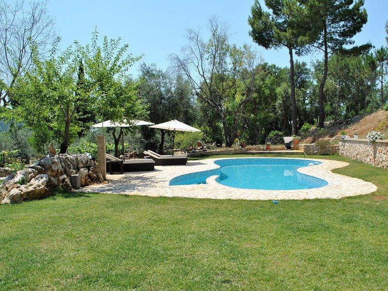 Itri Villa Sleeps 6 with Pool Air Con and WiFi - 5313051, location de vacances à Itri