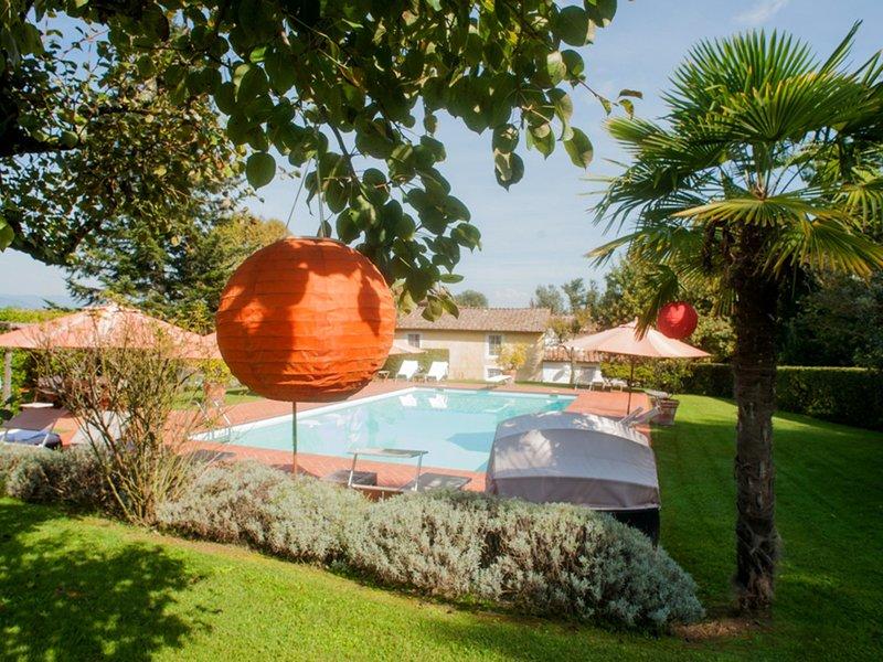 Sant'Andrea di Compito Villa Sleeps 12 with Pool Air Con and WiFi - 5247725, vacation rental in Colle di Compito