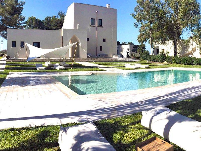 Il Monte Villa Sleeps 18 with Pool Air Con and WiFi - 5647135, Ferienwohnung in Baia Verde