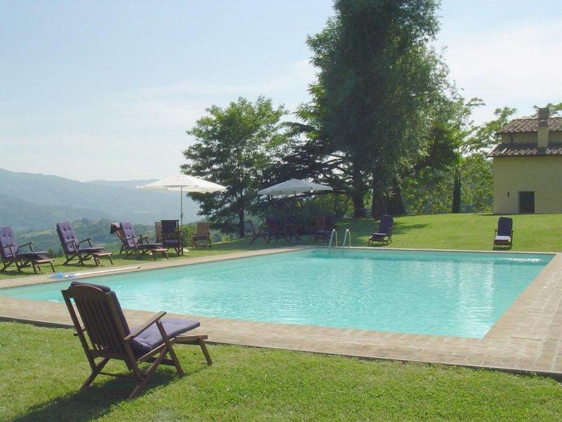 Casole d'Elsa Villa Sleeps 22 with Pool and WiFi - 5247614, casa vacanza a Vicchio