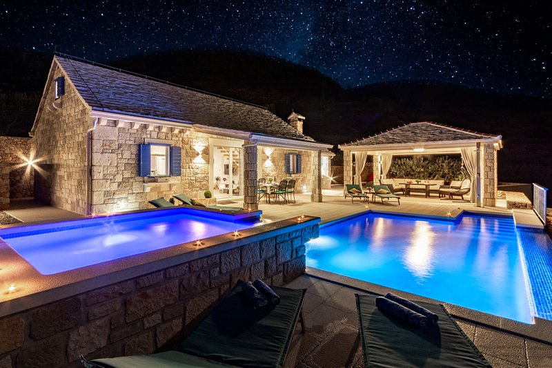 Deluxe Villa Purple Rain with Swimming Pool, vacation rental in Bol