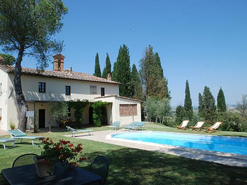 Vescovado Villa Sleeps 14 with Pool and WiFi - 5247774, location de vacances à Murlo