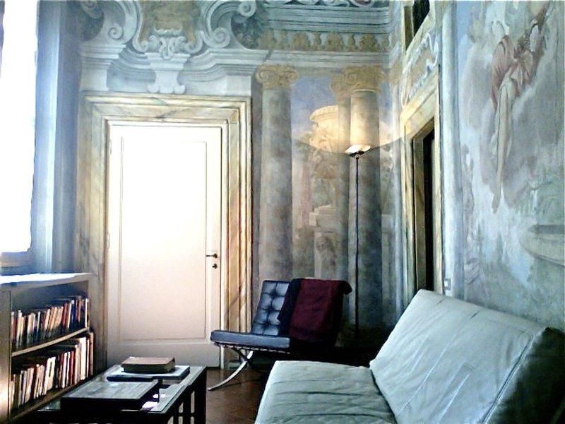 San Lorenzo District Apartment Sleeps 3 with Air Con and WiFi - 5248154, holiday rental in San Martino alla Palma