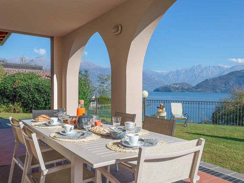 Vignola Villa Sleeps 14 with Pool and WiFi - 5248342, location de vacances à Pusiano