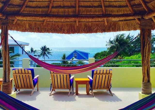 Relax by the Ocean Villa-Pool, Dock, AC & free paddleboards, holiday rental in Caye Caulker