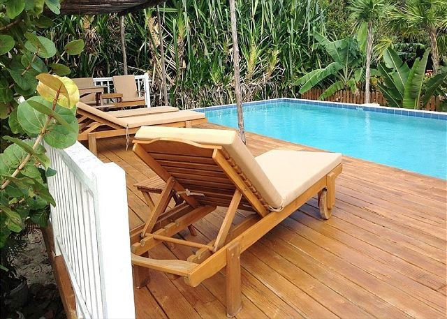 Seahorse Cabana & Pool, Access to Private Dock/Beach Area & free paddleboards, alquiler de vacaciones en Caye Caulker