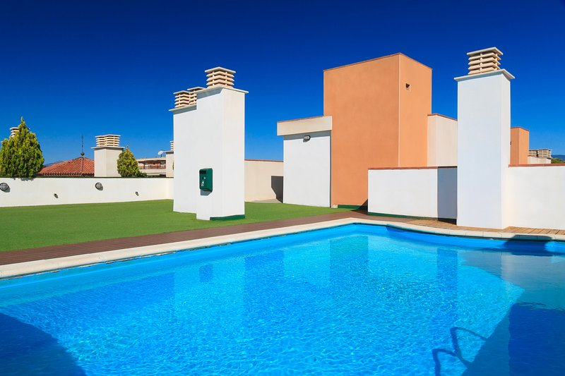 SOL I MAR FAMILY COMPLEX 295: APARTMENT HIGH STANDING CLOSE TO THE BEACH., holiday rental in Tarragona