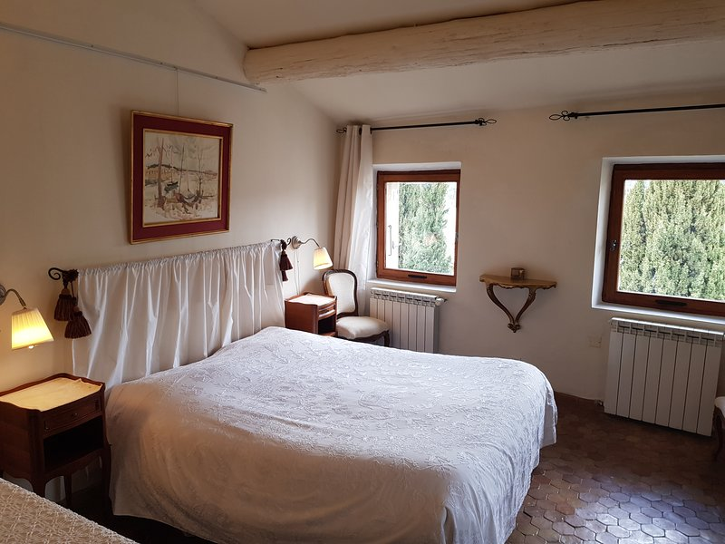 Chambres d'hôtes ' Atelier du château ', holiday rental in Crestet