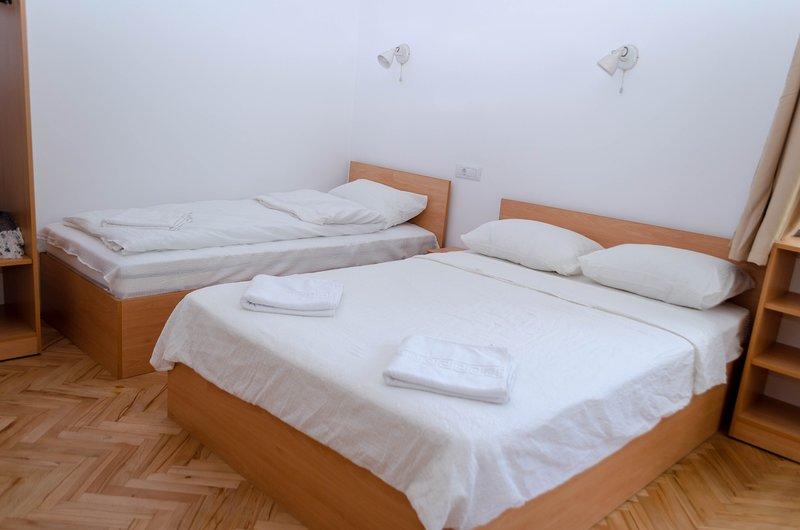 3.2 Casa Pasteur- triple studio, vacation rental in Cluj-Napoca