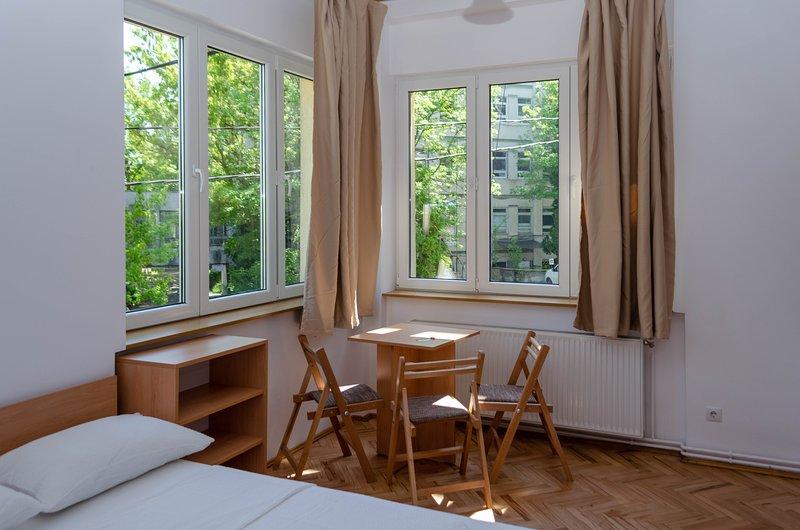 3.3 Casa Pasteur- triple studio, vacation rental in Cluj-Napoca
