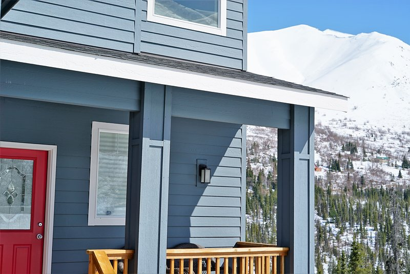 Alaska Breathtaking Lights Mountain Home, holiday rental in Anchorage