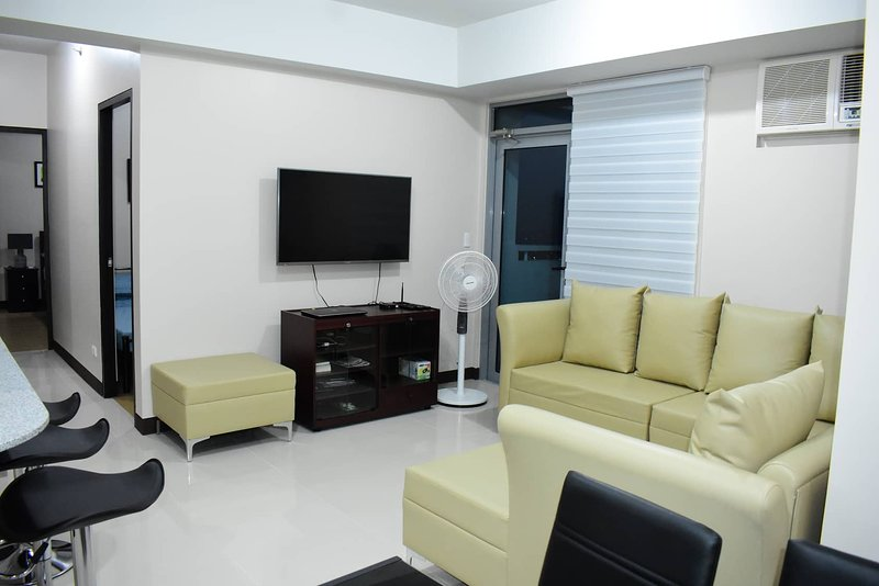 Unit 34A Tower B Manhattan Heights, 2BR, vacation rental in Marikina