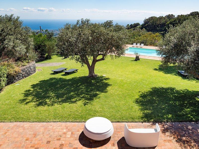 Milo Villa Sleeps 6 with Pool Air Con and WiFi - 5690568, location de vacances à Milo