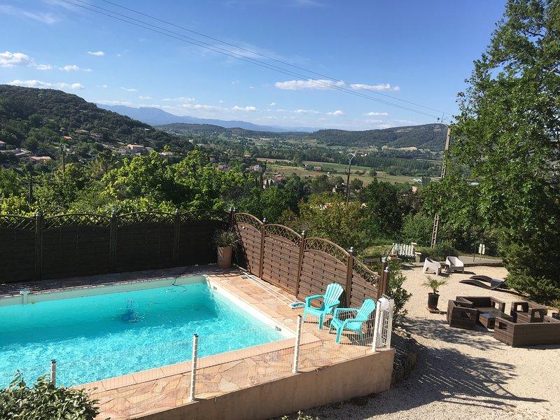 Gîte calme avec piscine -Les Lavandes au Mas du Vieux Chêne-, location de vacances à Vallon-Pont-d'Arc