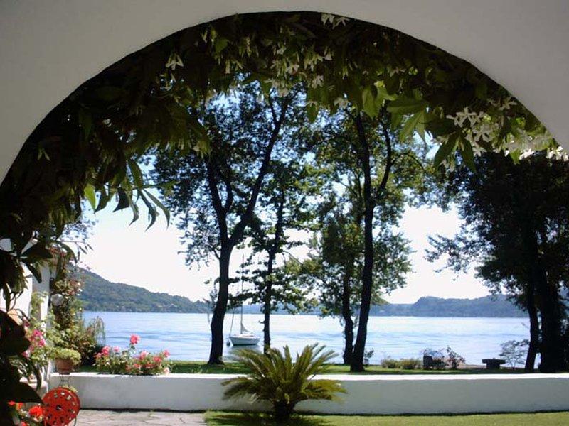 Solcio Villa Sleeps 6 with Air Con and WiFi - 5248374, vacation rental in Solcio