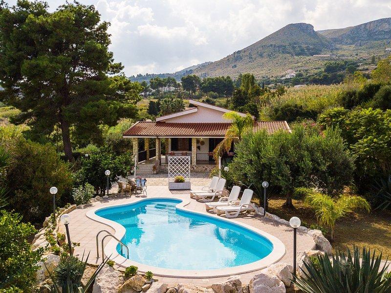 Scopello Villa Sleeps 7 with Pool Air Con and WiFi - 5247365, holiday rental in Villaggio Sporting