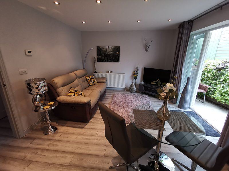 APARTMENT IN  WITNEY OXFORDSHIRE NEAR COTSWOLDS, vacation rental in Witney