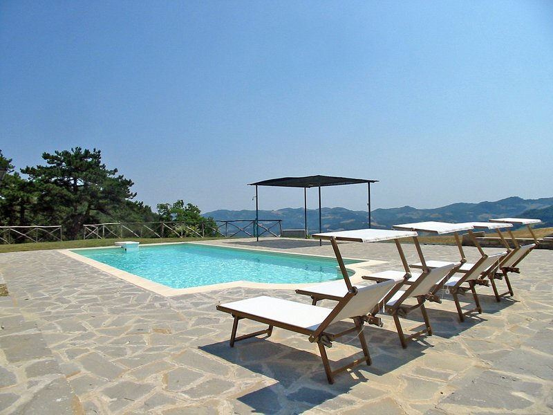 Lutirano Villa Sleeps 18 with Pool and WiFi - 5247969, holiday rental in Faenza
