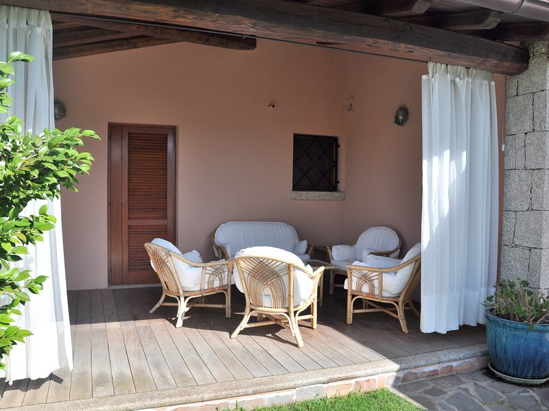 San Teodoro Villa Sleeps 8 with Pool and WiFi - 5248005, vacation rental in San Teodoro