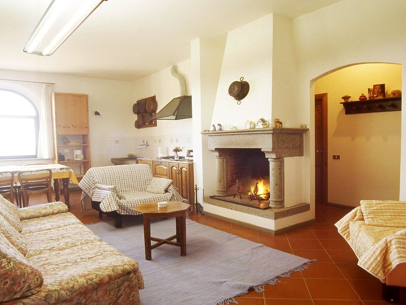 Pievasciata Villa Sleeps 6 with Pool and WiFi - 5247766, casa vacanza a Pievasciata