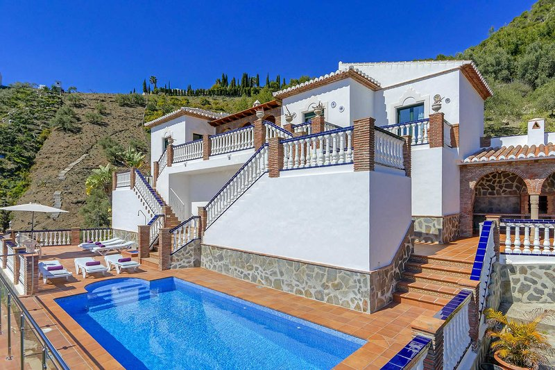 Villas Pedregal frigiliana, vacation rental in Frigiliana