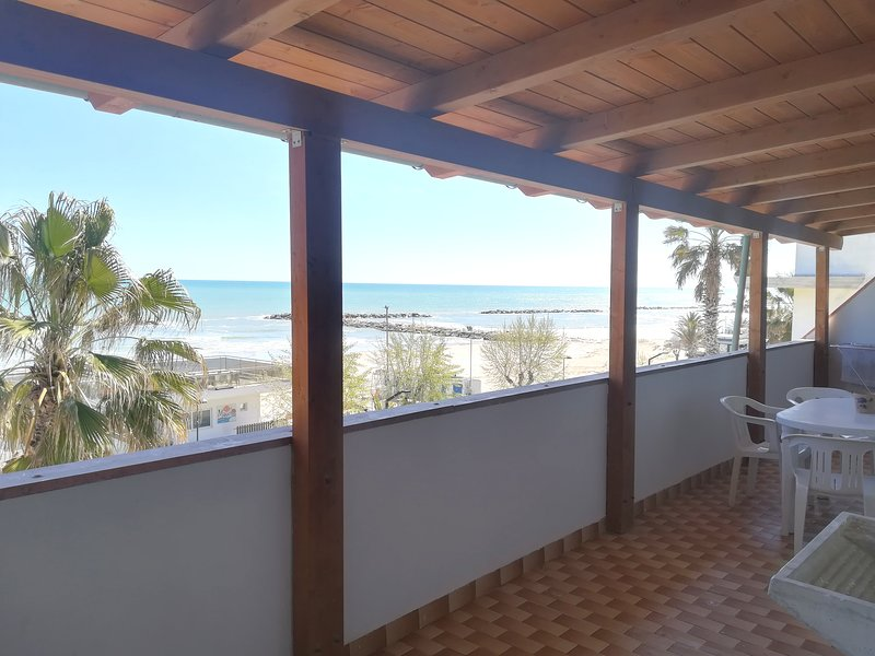 APPARTAMENTO SUL MARE, vacation rental in Martinsicuro