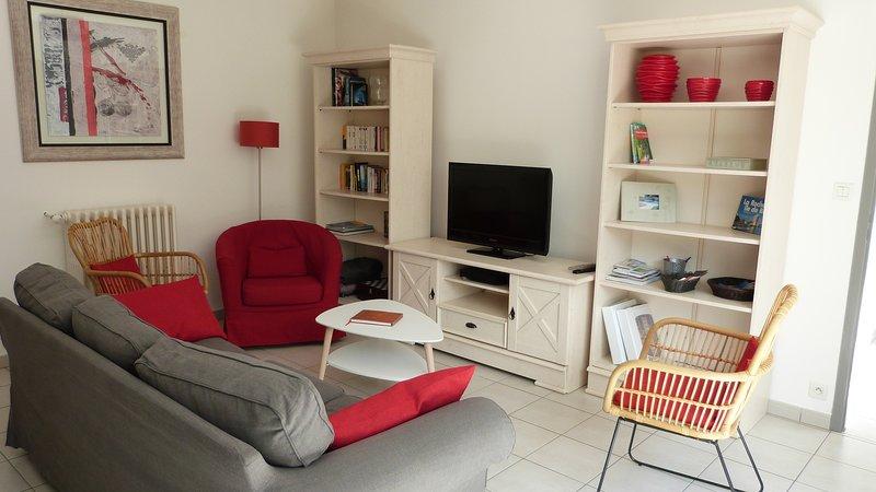 La maison d'à côté - La Rochelle Centre - Piscine Chauffée, vacation rental in La Rochelle