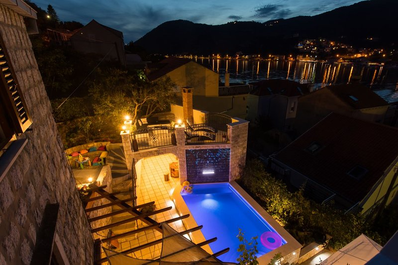 Heated pool & private garden, charming place for relax-Villa Anita, vacation rental in Dubrovnik