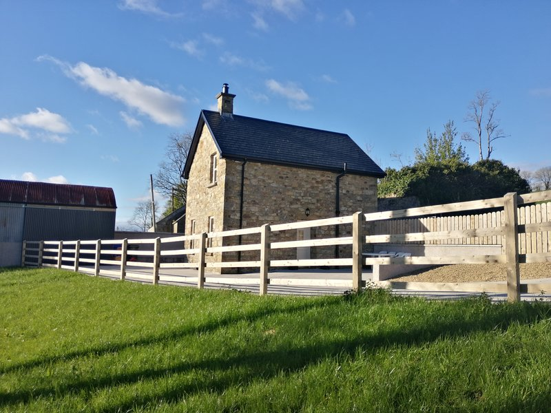 Knockninny Barn, Fermanagh holiday home at Lough Erne, alquiler de vacaciones en Enniskillen