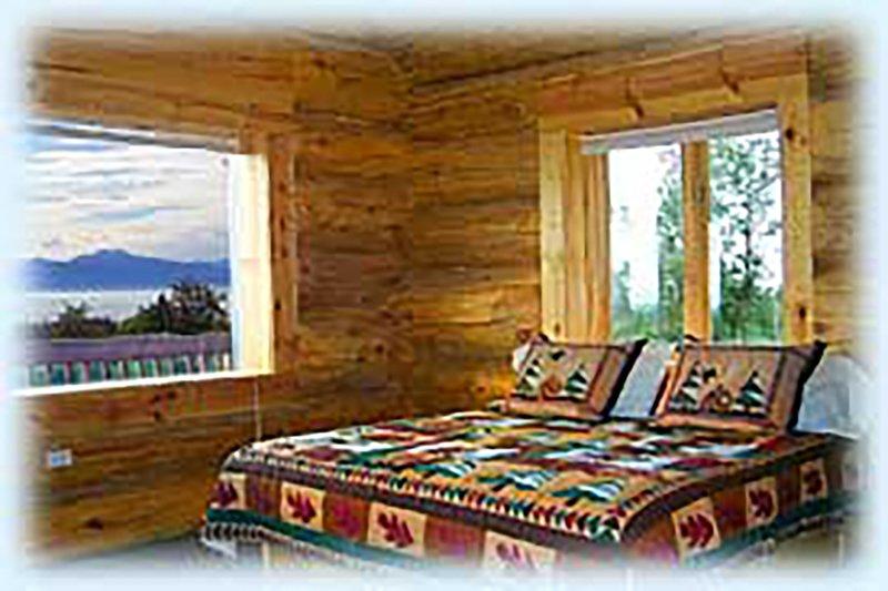Mindfullness - B&B room with a view of the Kachemak Bay and Kenai Mountains, location de vacances à Fritz Creek