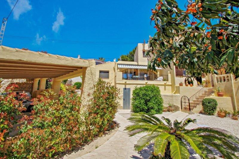 David - holiday bungalow with pool in Teulada, aluguéis de temporada em Teulada