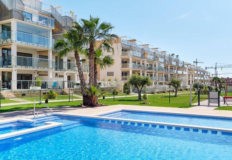 Orange Holiday Housing - Villamartin Gardens 3 bedr/2 bathr. large South balcony, holiday rental in Villamartin