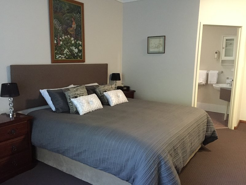 The Noble Grape Guest House, holiday rental in Cowaramup