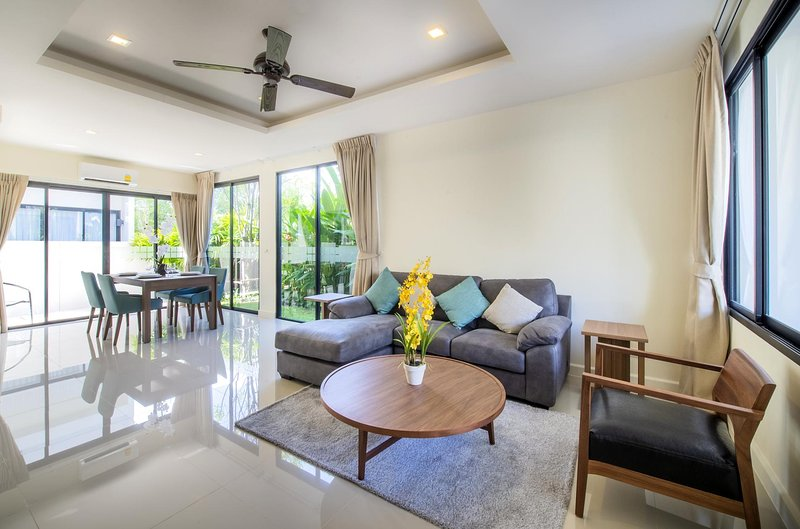 3 BDR Laguna Park Phuket Holiday Home, Nr. 19, casa vacanza a Si Sunthon