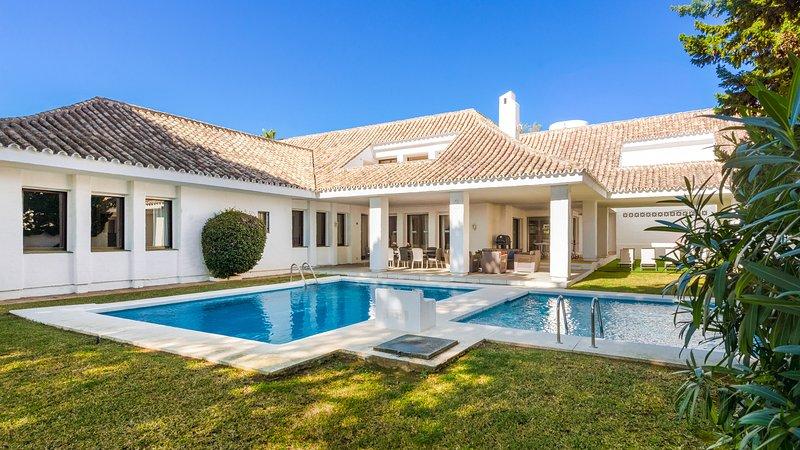 Superb Villa 5 On The Beach in Puerto Banus, Marbella, vacation rental in Marbella