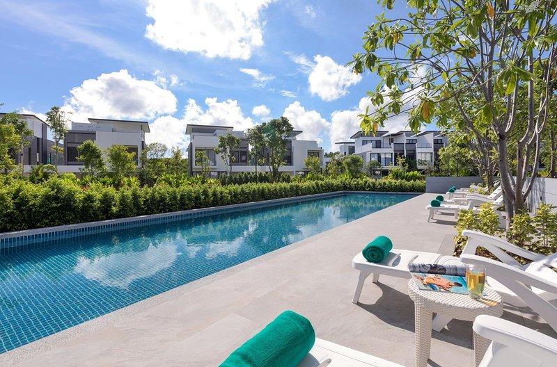 3 BDR Laguna Park Phuket Holiday Home, Nr. 17, casa vacanza a Si Sunthon