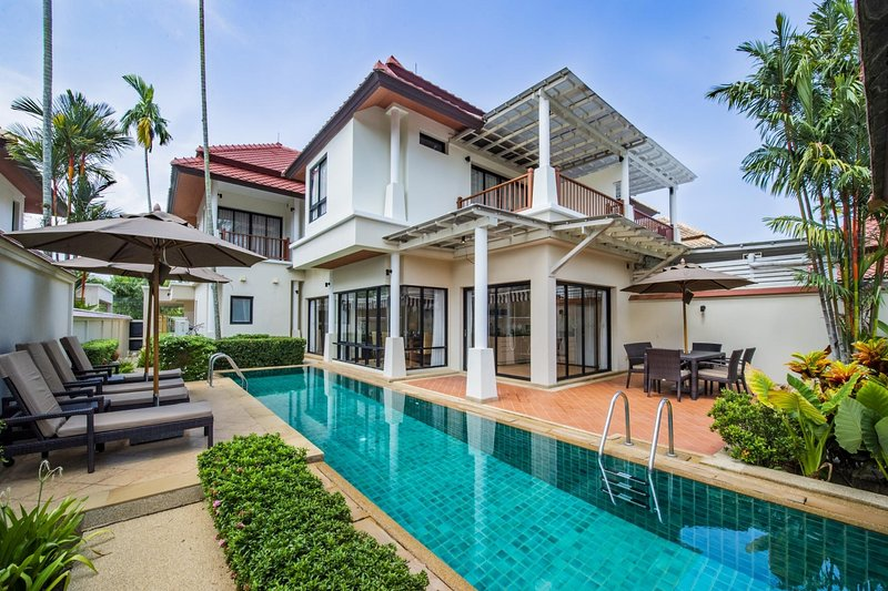 3 BDR Laguna Phuket Pool Villa, Nr. 5, holiday rental in Cherngtalay