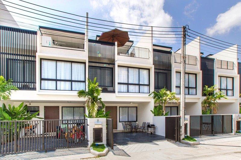 3 BDR Laguna Park Phuket Holiday Home, Nr. 31, casa vacanza a Si Sunthon